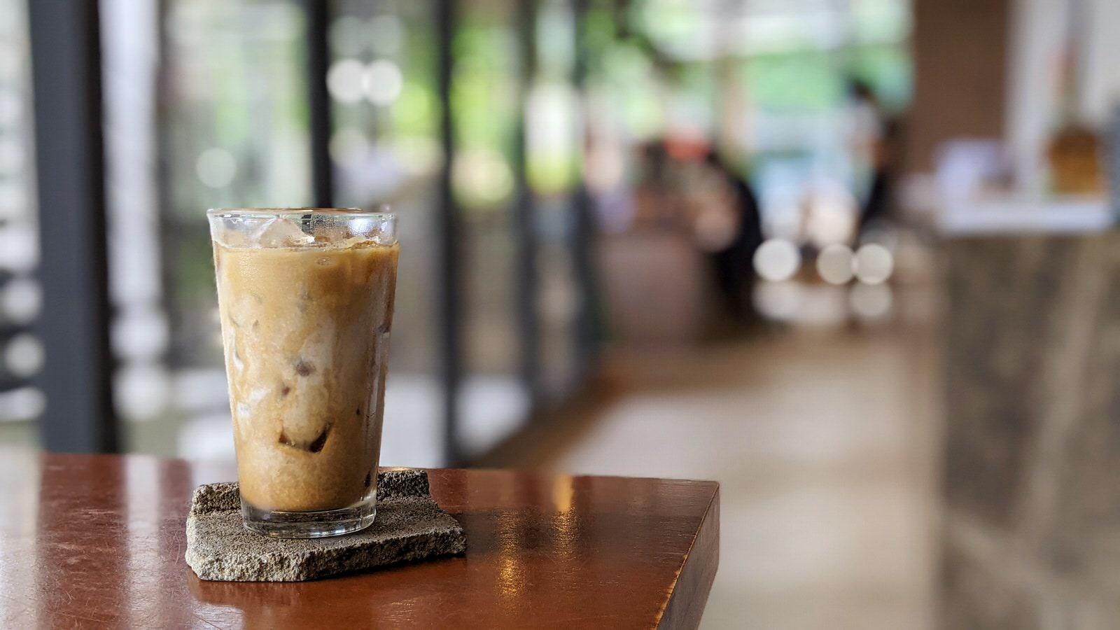 Cafe (taken with Pixel4)